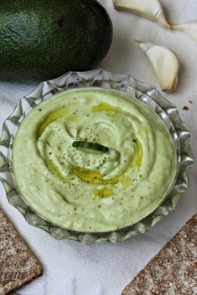 tzatziki cu avocado