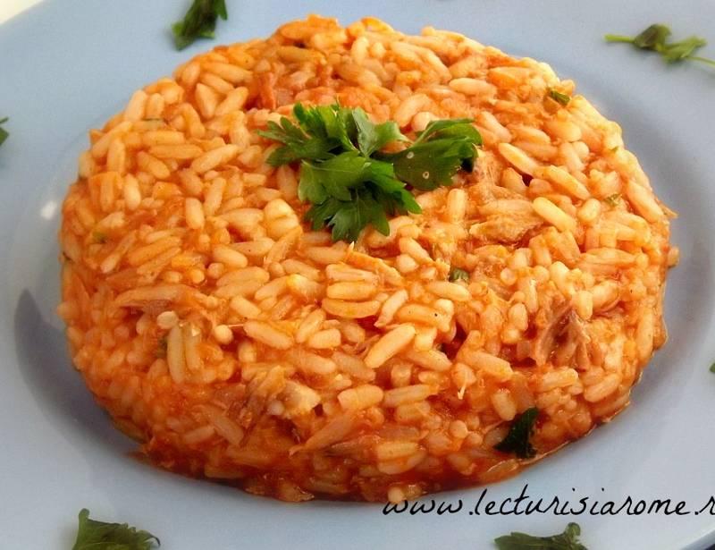 orez cu sos de rosii