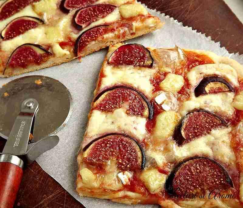Pizza cu smochine si patru feluri de branza