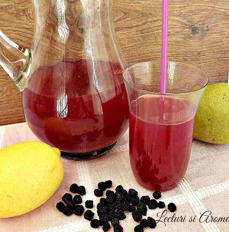 Limonada cu pere si fructe de Aronia