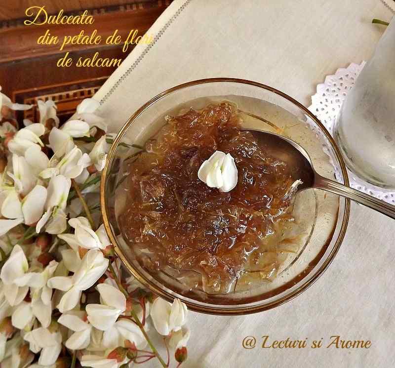dulceata din petale de flori de salcam