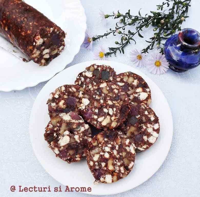 salam de biscuiti cu rahat si stafide Lecturi si Arome