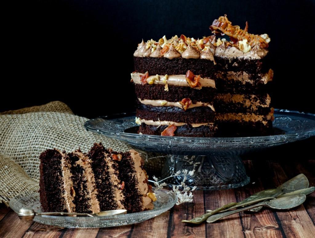 tort cu ciocolata si bacon