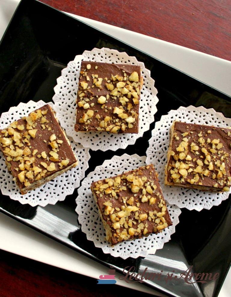 prajitura cu crema caramel si biscuiti