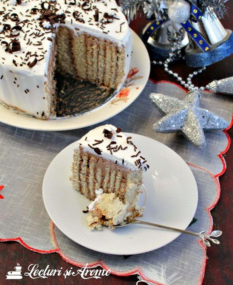 Tort rapid cu biscuiti si crema de ciocolata