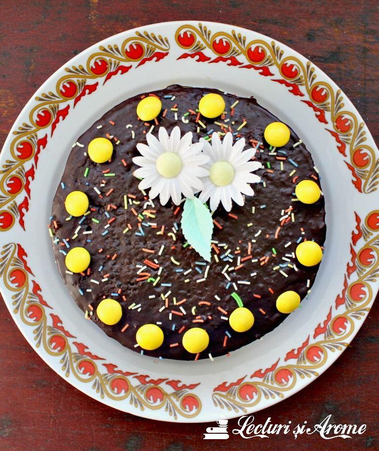 tort de post cu crema de ciocolata si visine