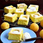 Pandispan cu caise, cea mai simplă rețetă de prăjitură cu fructe