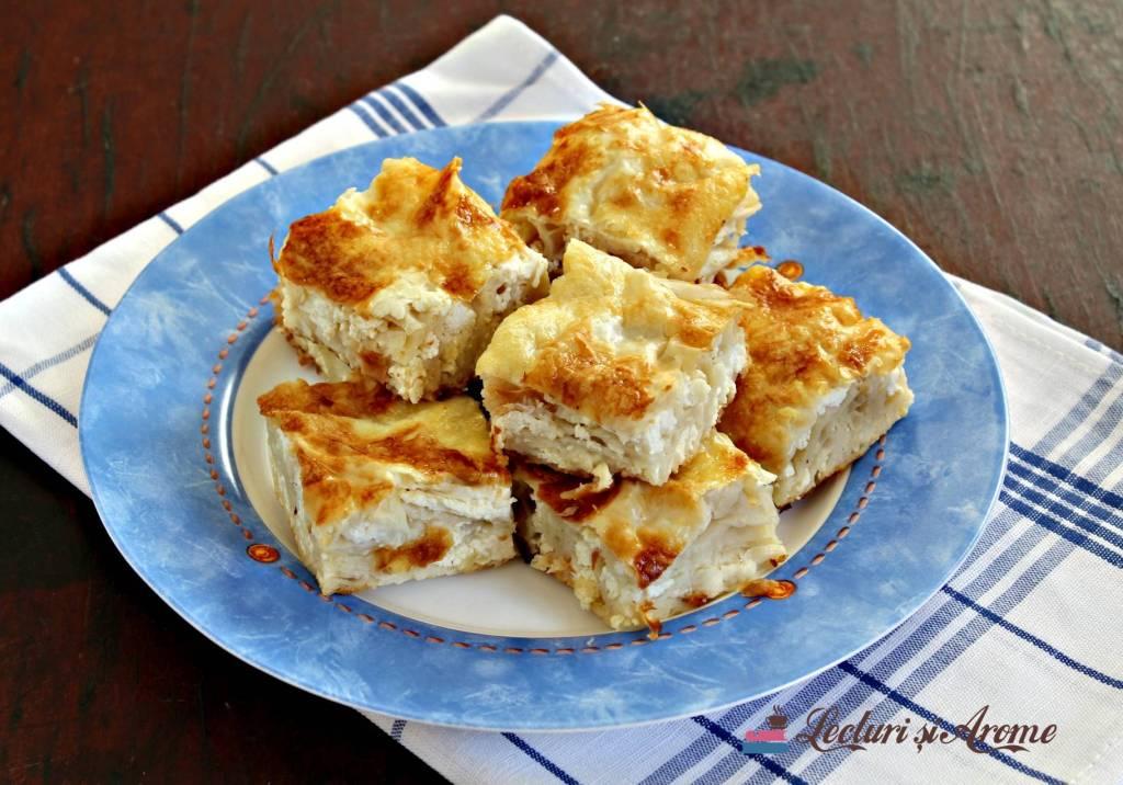 plăcintă creață cu brânză