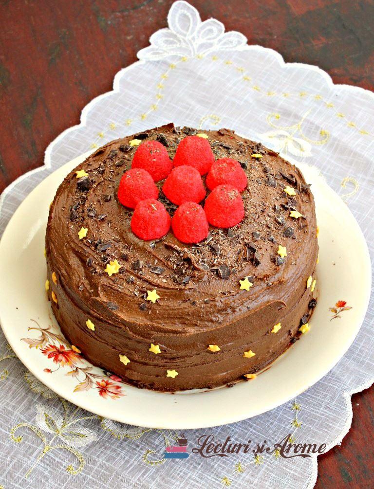 tort de post cu ciocolată neagră