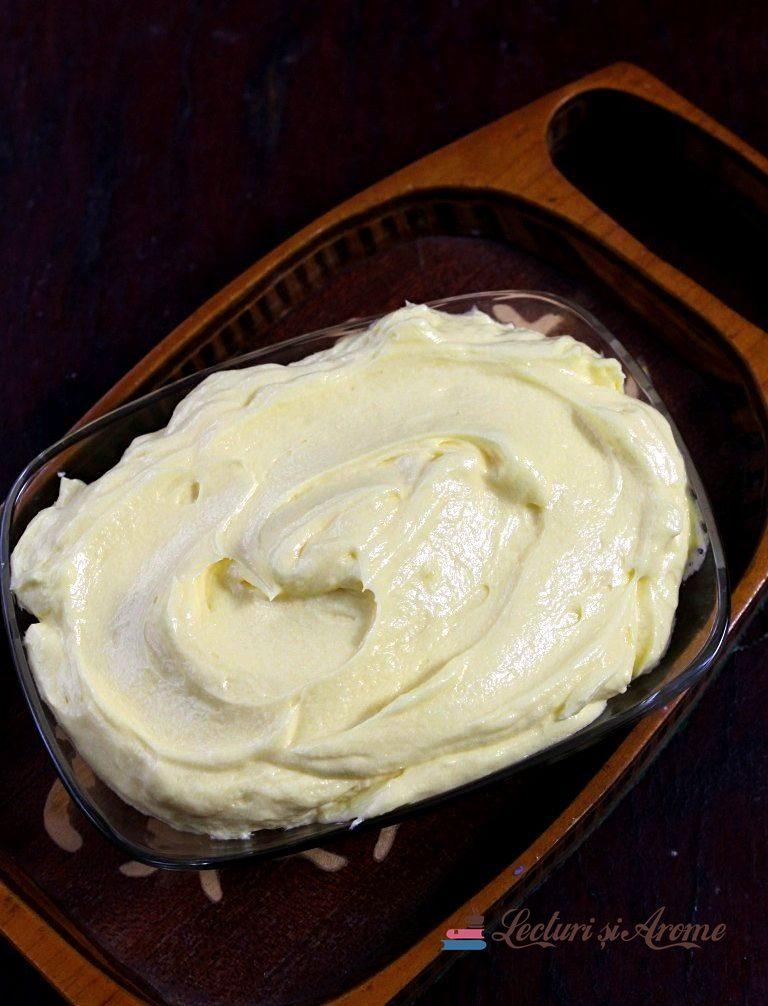 cremă de vanilie cu unt