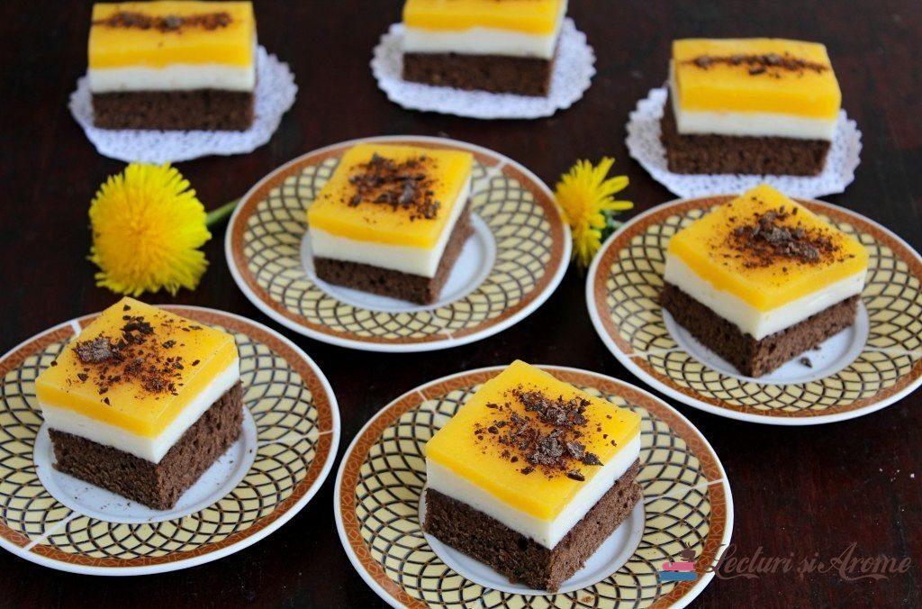 Prăjitură cu cremă de lapte și jeleu de fructe