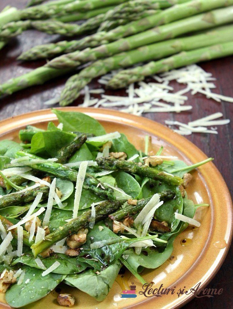 salată de sparanghel cu spanac