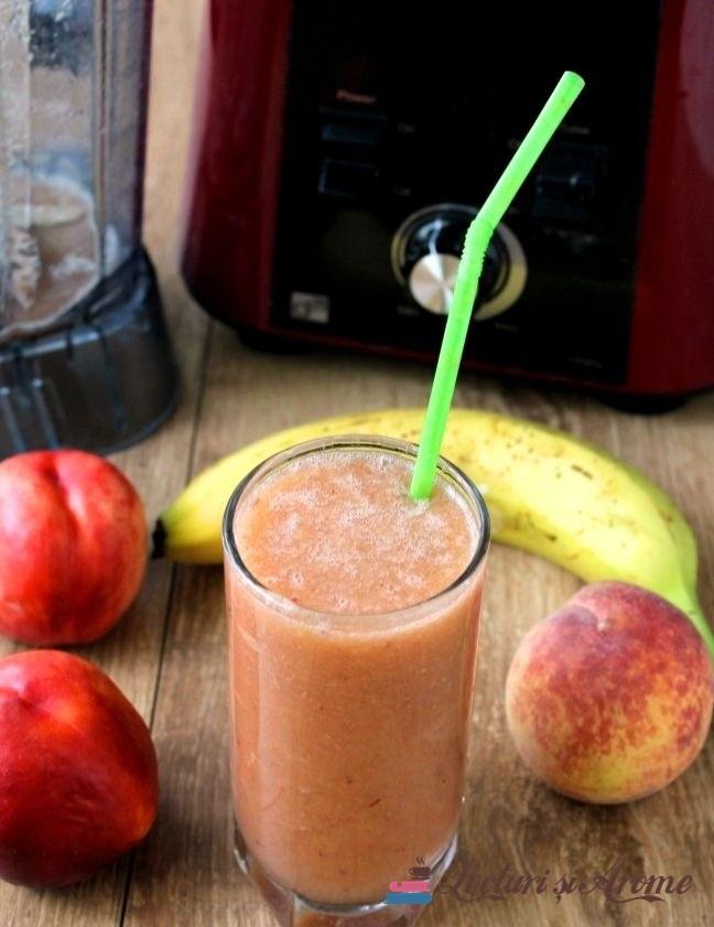 smoothie cu piersici și pepene galben