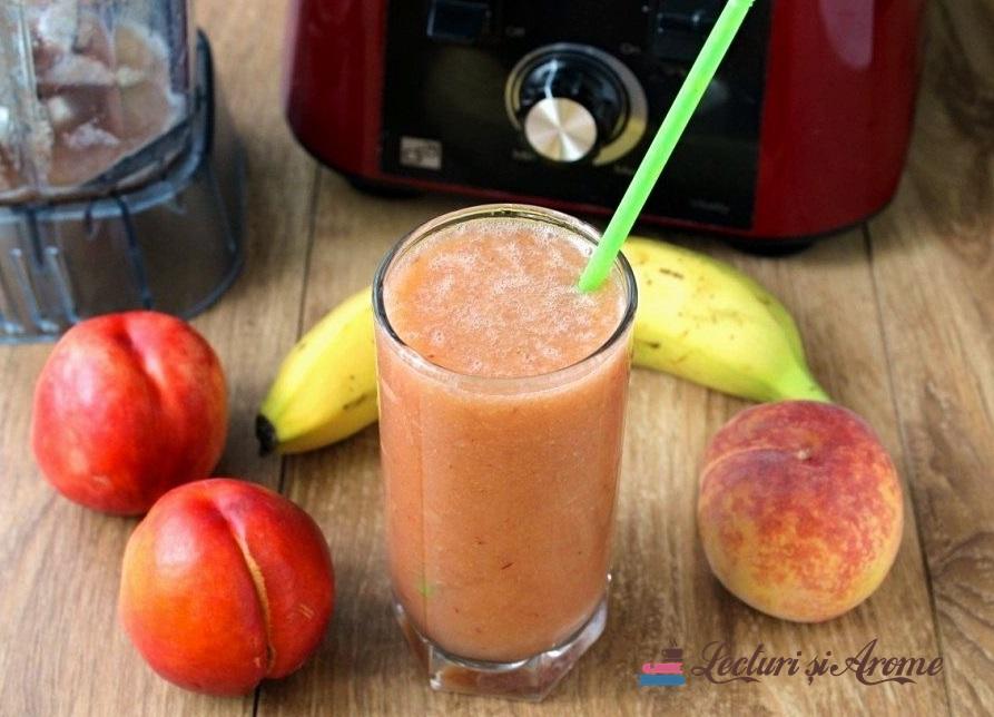smoothie cu piersici și pepene