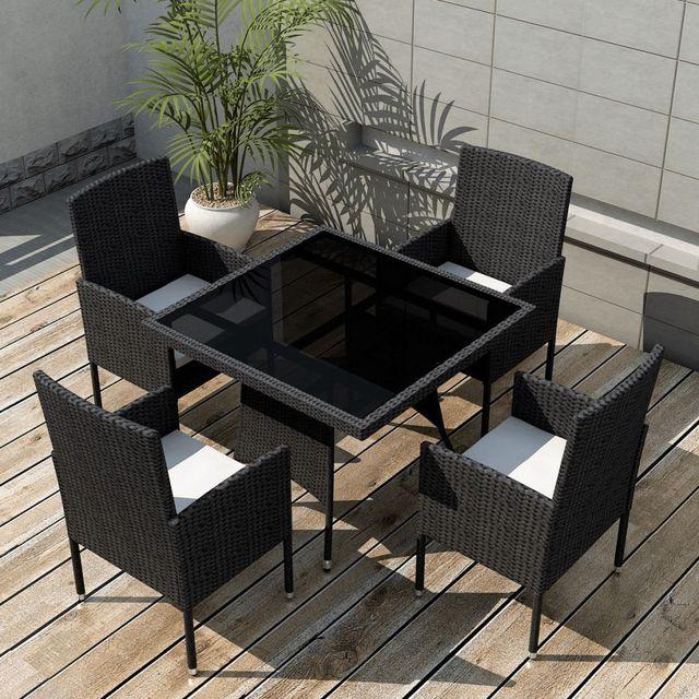 mobilier pentru exterior din poliratan