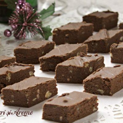 Ciocolată de casă cu pudră de roșcove (carob)