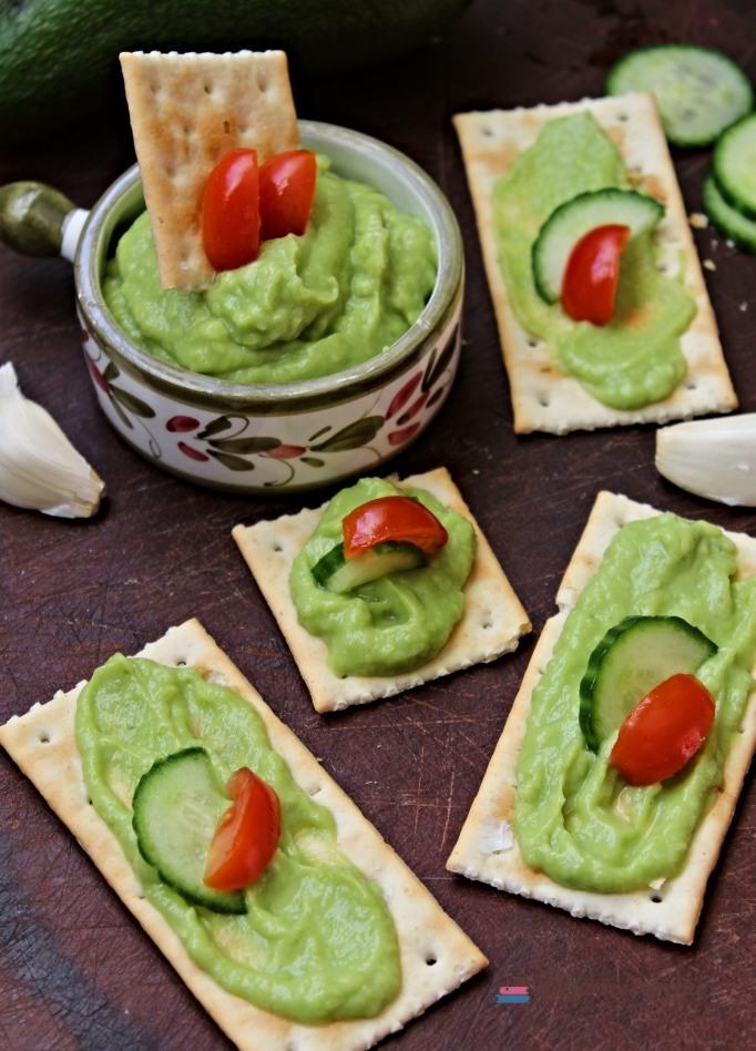 pastă de avocado și castravete Lecturi și Arome