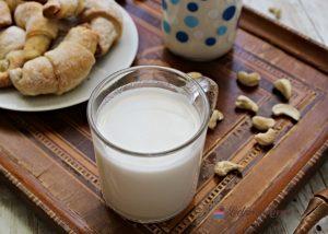 Lapte de caju - lapte vegetal facut în casă