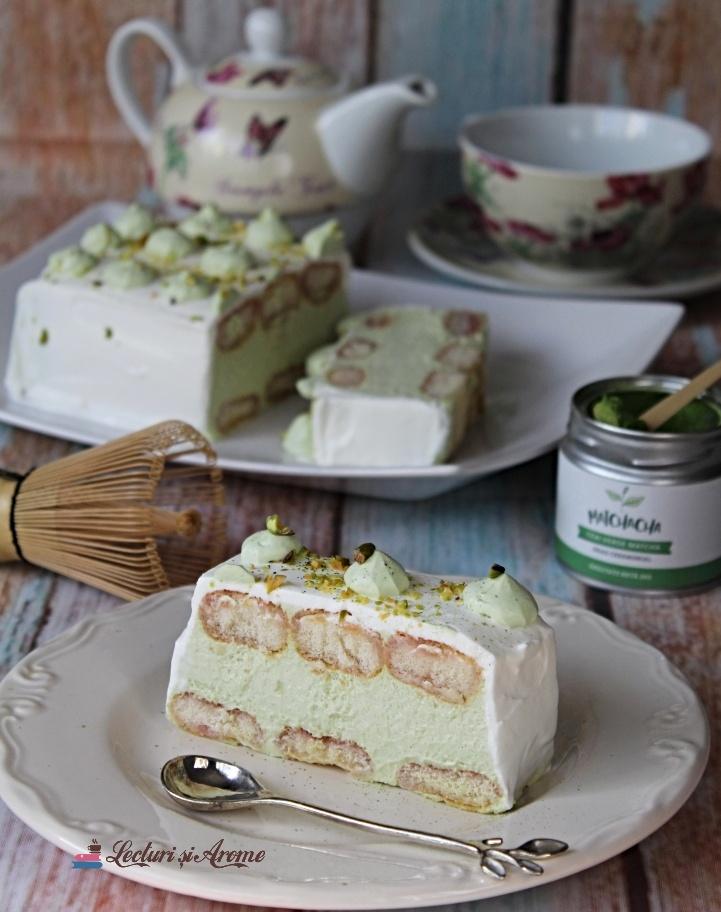 prăjitură cu matcha și ciocolată albă