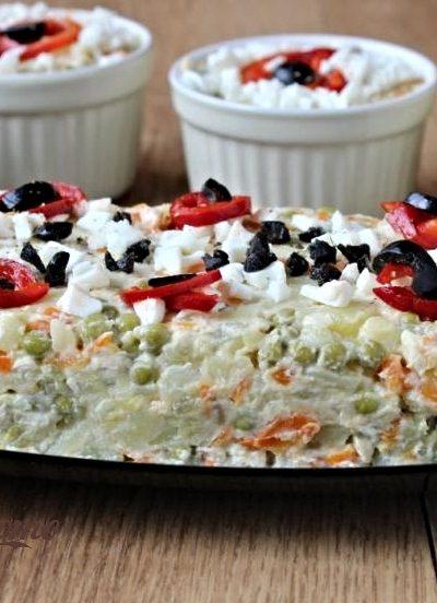salată de boeuf cu piept de pui
