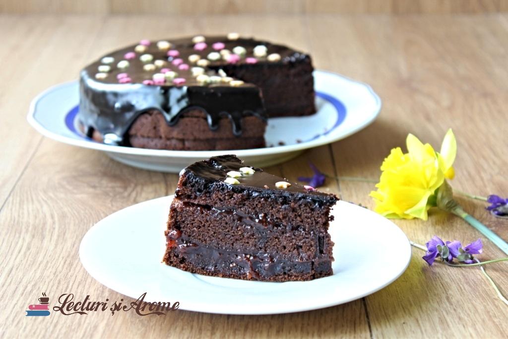 tort vegan cu dulceață