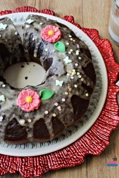 prăjitură festivă cu cafea