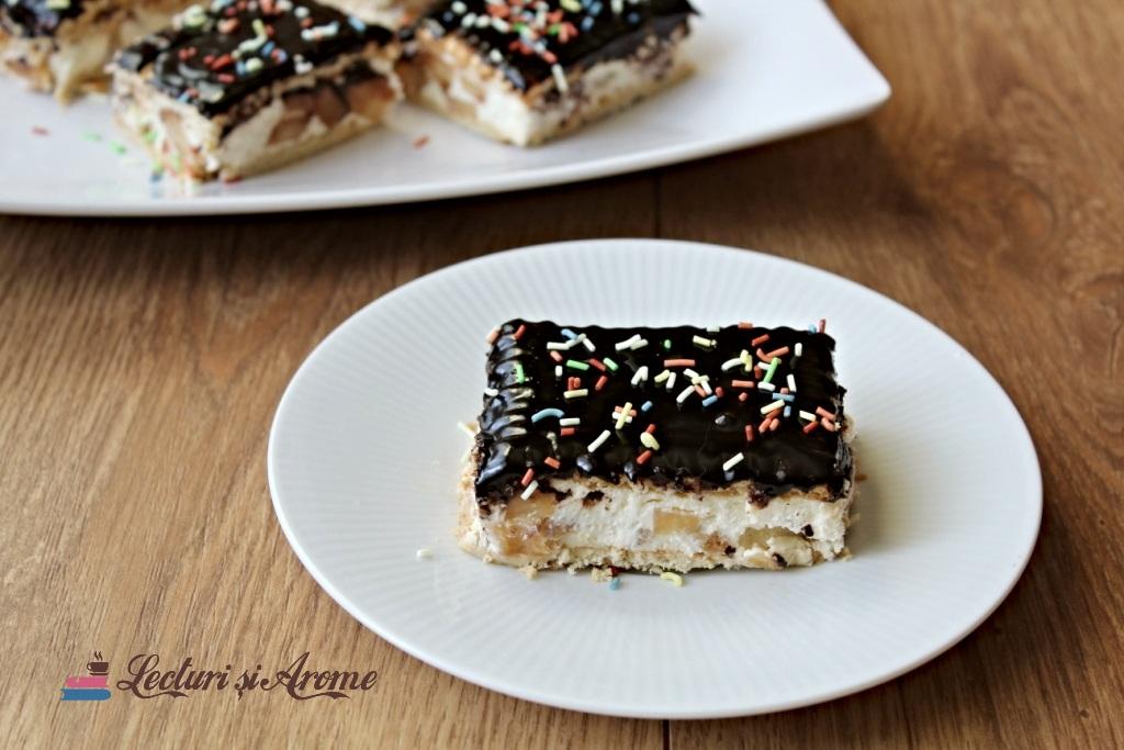 prăjitură fără coacere cu biscuiți