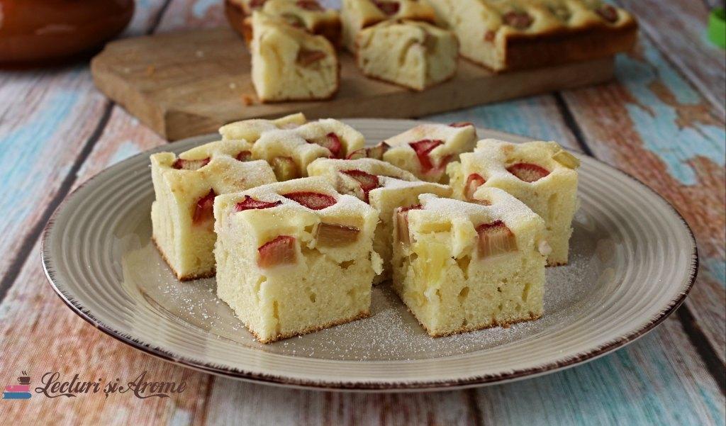prăjitură cu rubarbă și iaurt