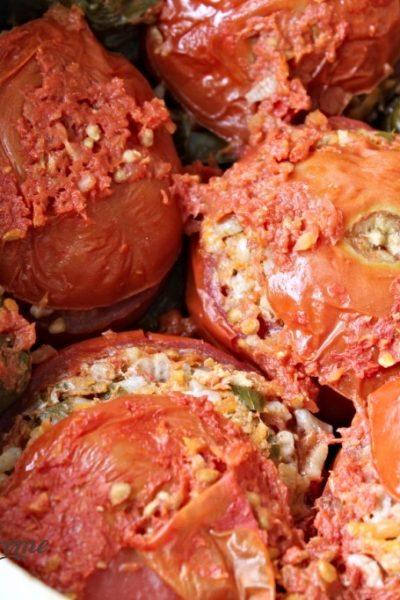 roșii umplute cu carne tocată