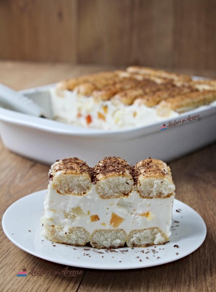 prăjitură cu pișcoturi și cremă de iaurt
