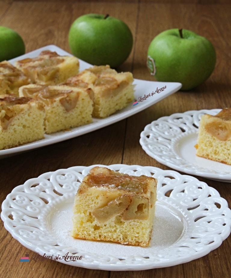 prăjitură răsturnată cu mere verzi